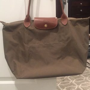 Long champ olive tote